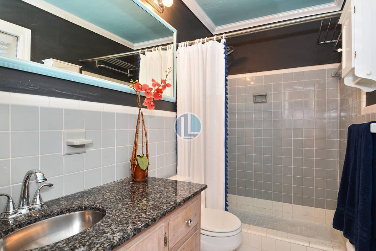 232 South Fig Tree Lane Plantation FL Master Bathroom